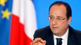 Hollande veut rendre le permis moins cher et simplifié