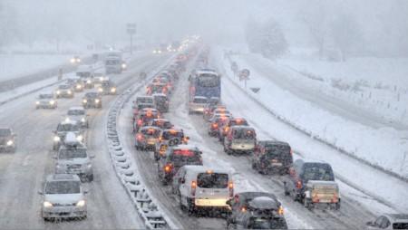 route bloquée équipement chaînes pneus/neige