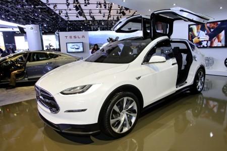 La Tesla X capable de vous protéger des armes biologiques