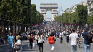 Après Paris Journée sans voiture, les Champs Elysées piétons le dimanche
