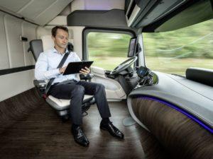 Google lance la livraison automatisée avec des camions sans chauffeur