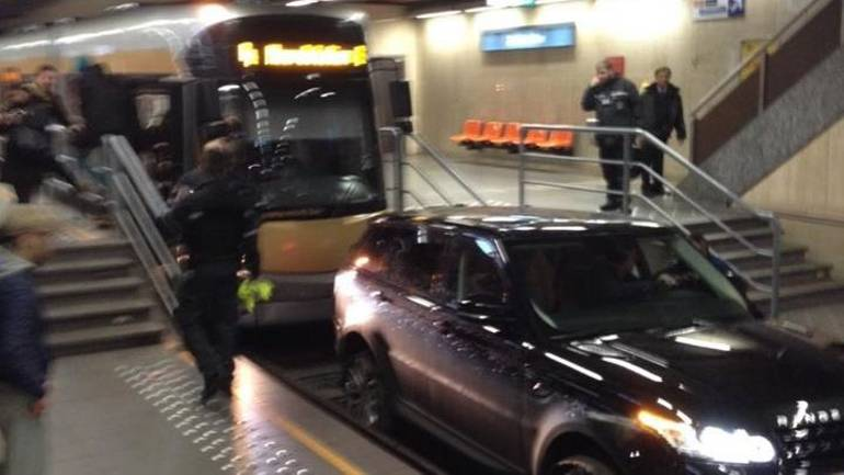 Un belge suit son GPS et se retrouve dans le métro de Bruxelles en Range Rover