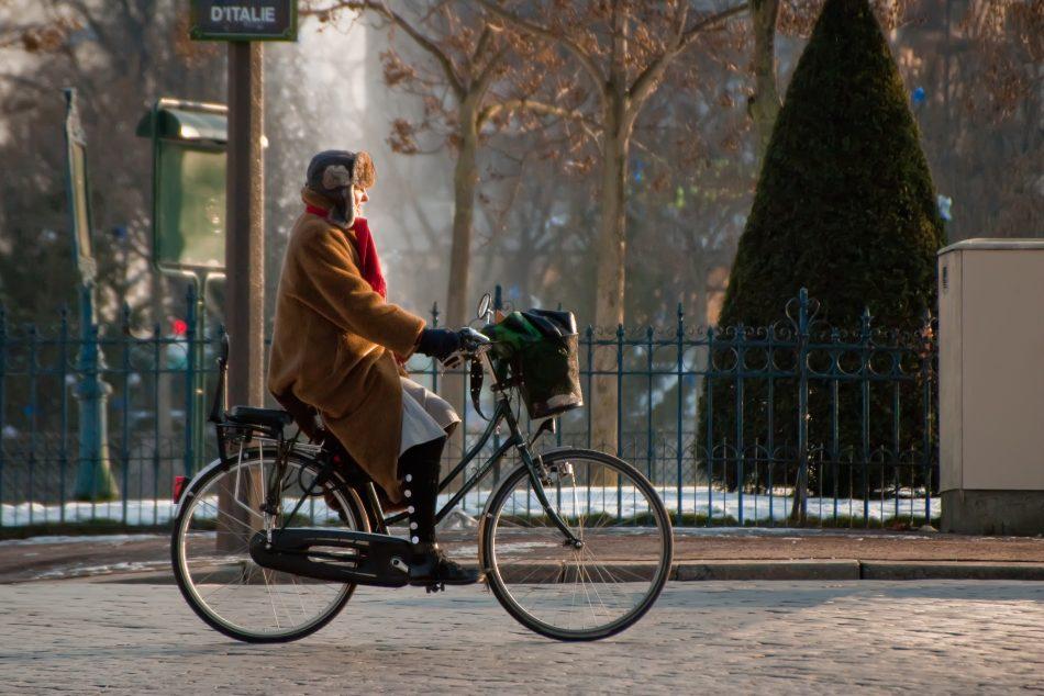 Dame à Vélo place d'Italie